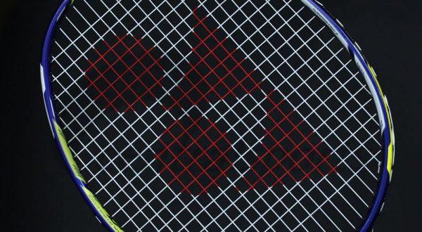 Vợt cầu lông Yonex Duora 88 - khẳng định sức mạnh của công nghệ 2 mặt. Ảnh: Internet.